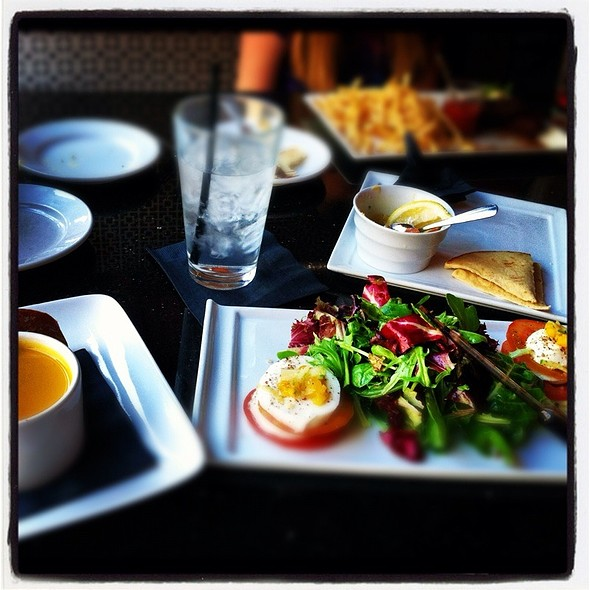 Caprese Salad With Butternut Squash Soup