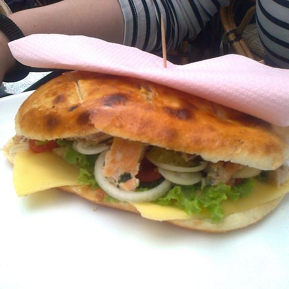 Сендвич со пилешко филе @ Енрико