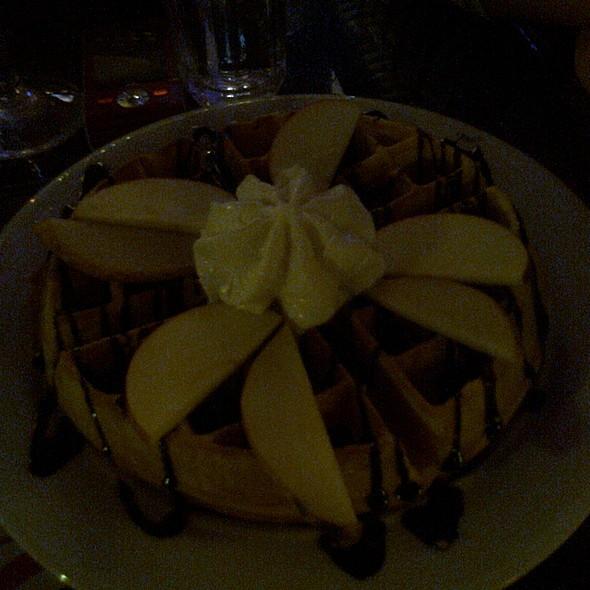 Вафли со чоколаден крем @ Мартини