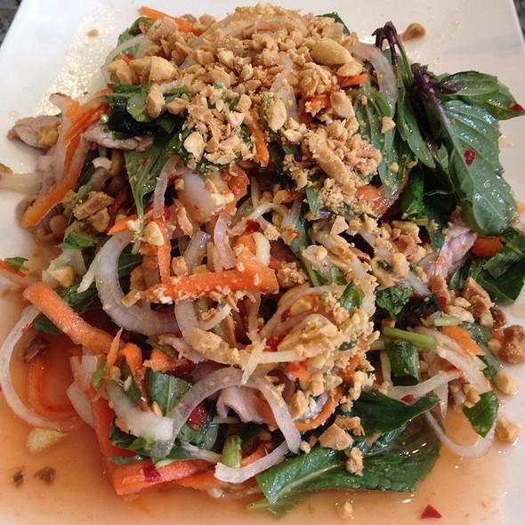 Bo Tai Chanh (raw beef salad) @ Cafe Hoang