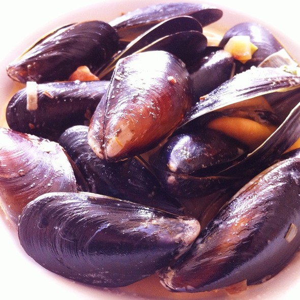 Mussels In Chipotle Cream Sauce @ The Flipside Restaurant