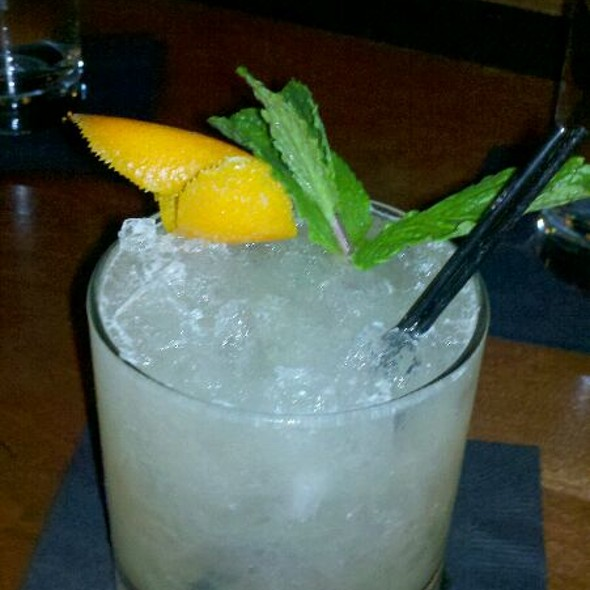 Pineapple Mai Tai @ Green Russell