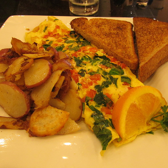 Greek Omelet @ Keke's Breakfast Cafe