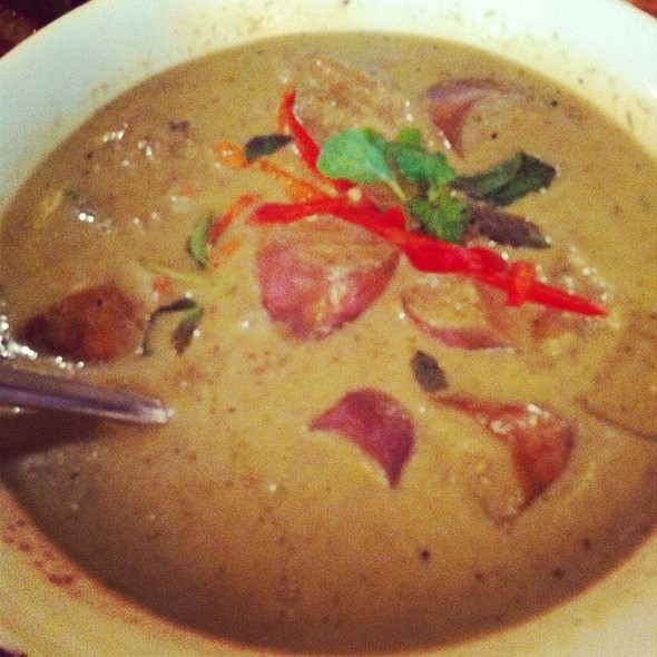 Green Curry Chicken  @ Precious Old China