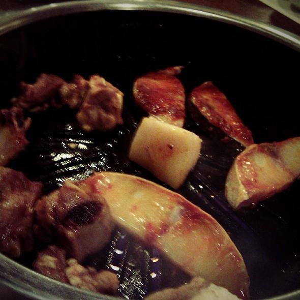 Cá bớp và sườn nướng @ Nhà hàng lẩu nướng không khói Aroma