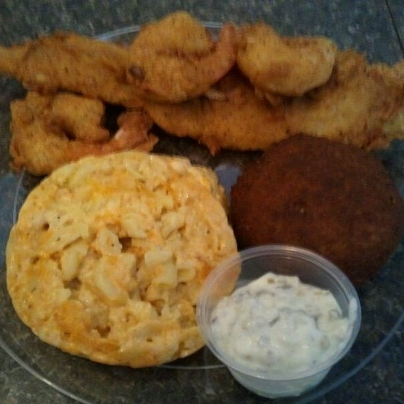 Seafood Platter with Mac and Cheese @ Brookland Cafe