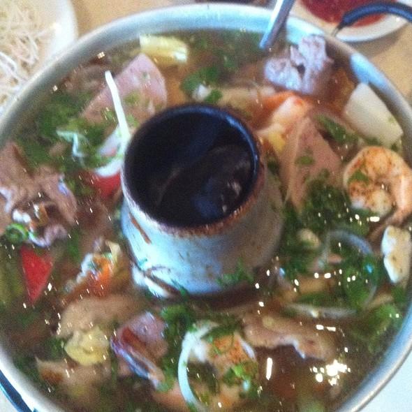 Lau Thap Cam @ Pho Grand Restaurant