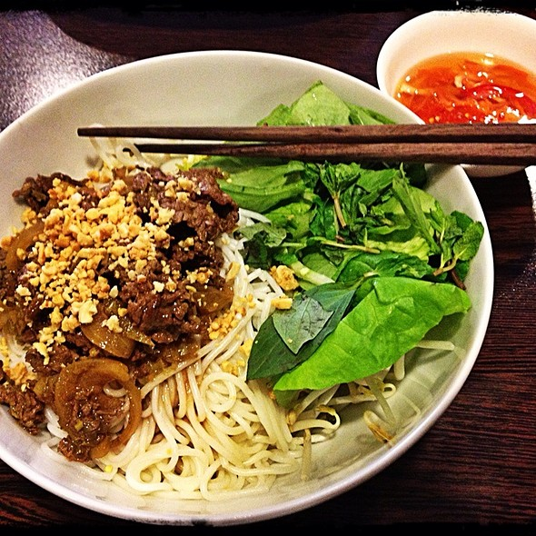 Grilled Beef In Lemongrass Sauce Vermicelli @ AsiaWay