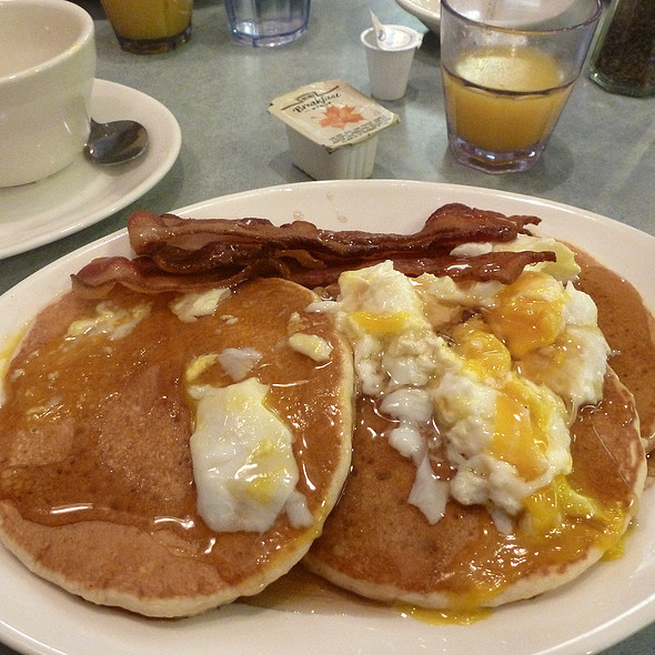 Pancakes with bacon, egg and maple syrup @ Westway Diner