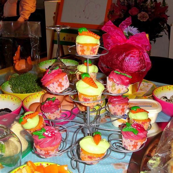 Easter Cupcakes @ Kim & Ylona