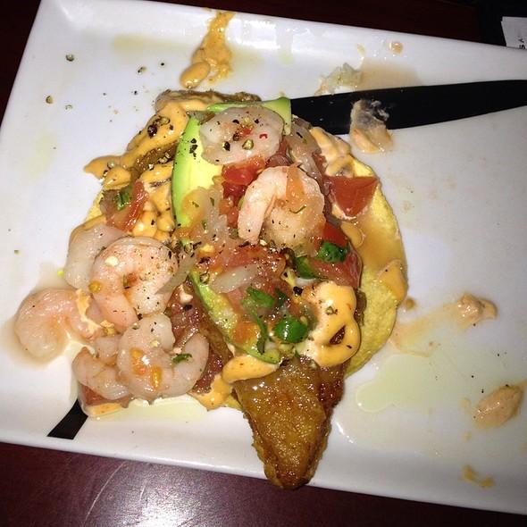 Shrimp Tapas With Garlic Sauce - Macarena Tapas, Naperville