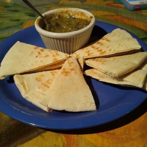 Pita And Hummus @ Eden Alley