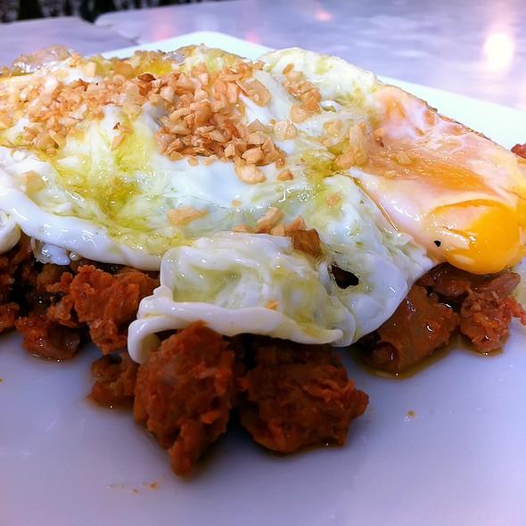 Chorizo and fried eggs @ La Cervecera