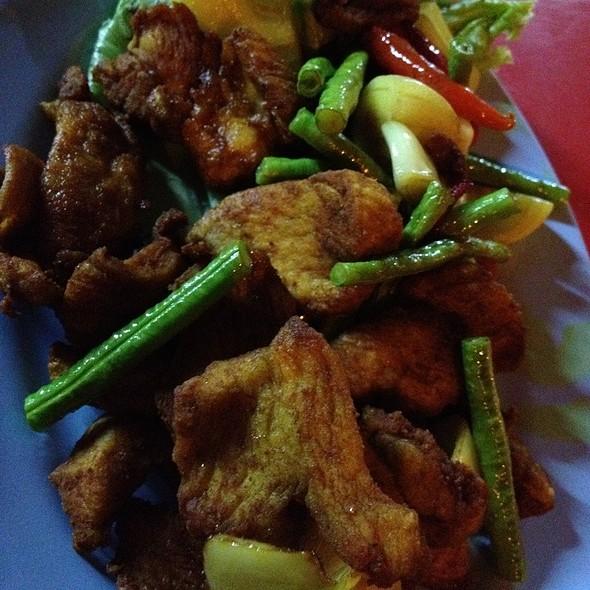 Ayam Masak Kunyit @ Ara Indah Thai Food