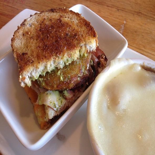Fried Green Tomato Sandwich @ Applebee's Neighborhood Grill