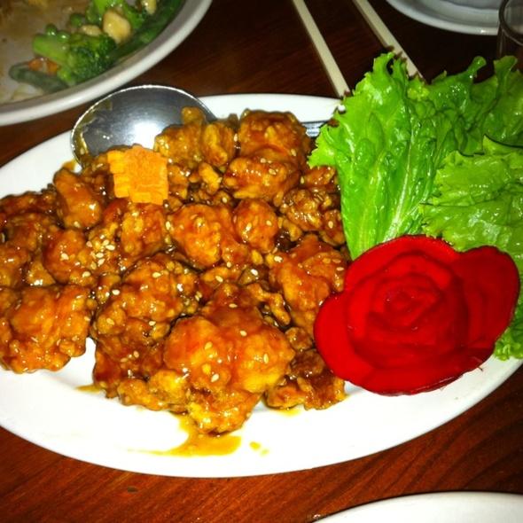 Sesame chicken - Kam's Wok Wine Dine, Houston, TX