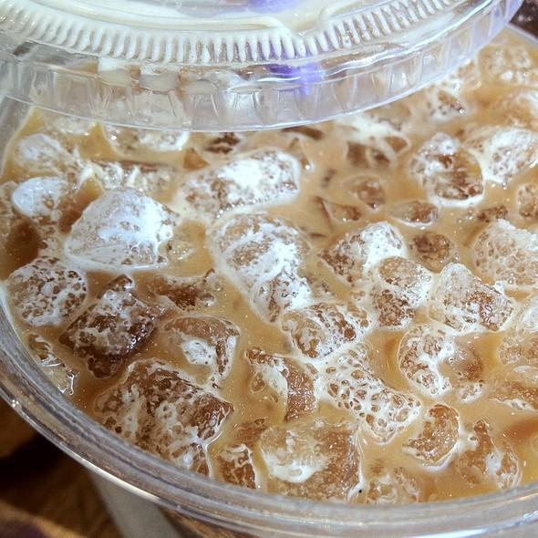 Iced Caramel Latte @ Coffee Bean & Tea Leaf