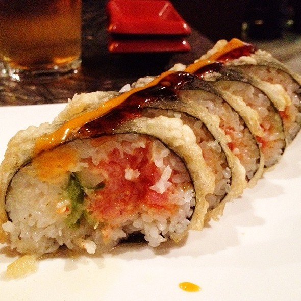 Deep Fried Spicy Tuna Roll @ Blue Nami