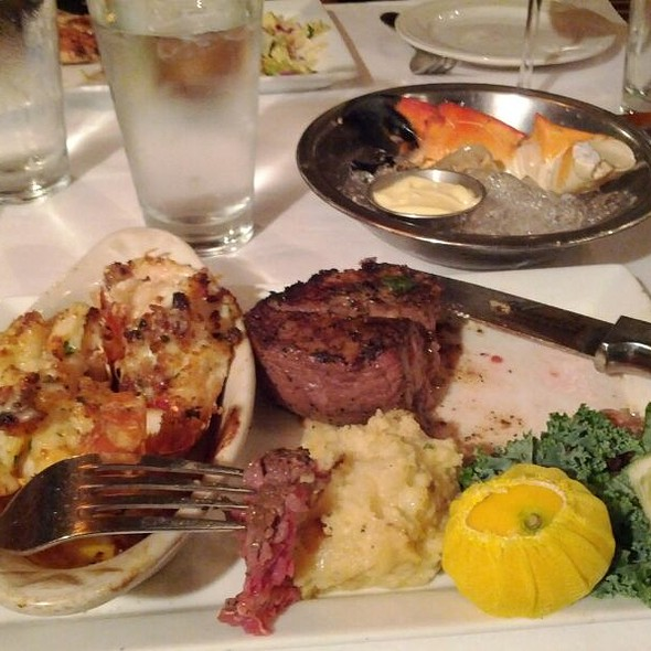 Filet Mignon @ Johnnie's Hideaway