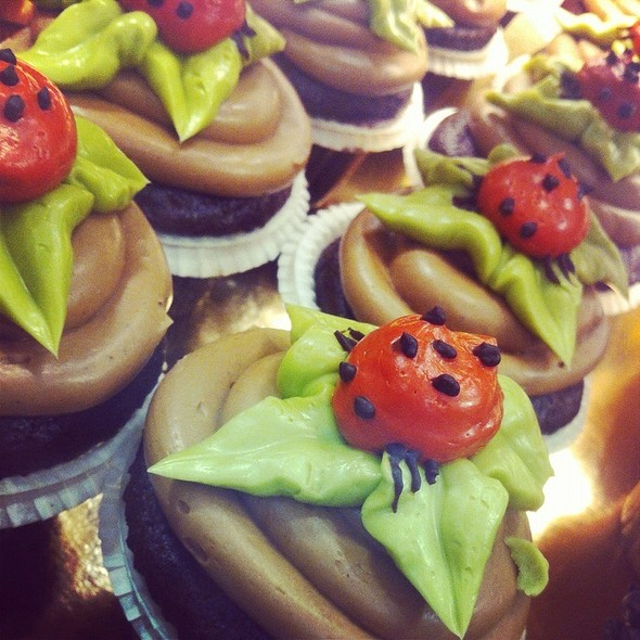 Boutique Cupcake - Chocolate @ Whole Foods Market - Callowhill