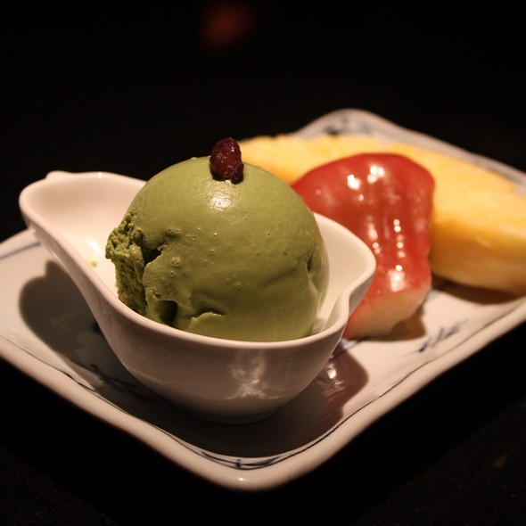 Matcha Ice Cream With Fruits @ 三井日本料理