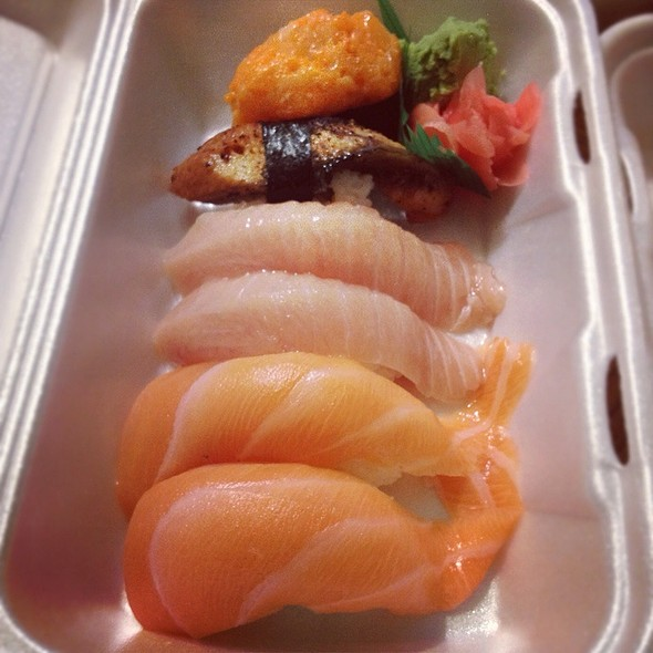 Assorted Nigiri Sushi @ Sushi Garden