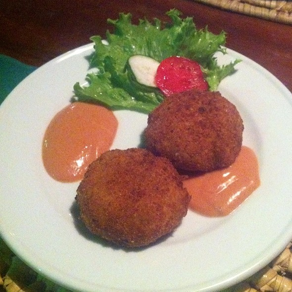 Crab Cakes @ Charthouse