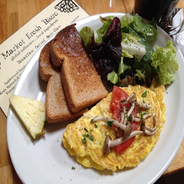Hamakua Farms Mushroom Omelette @ Market Fresh Bistro
