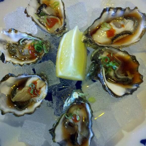 Fresh Oysters @ Maneki Sushi