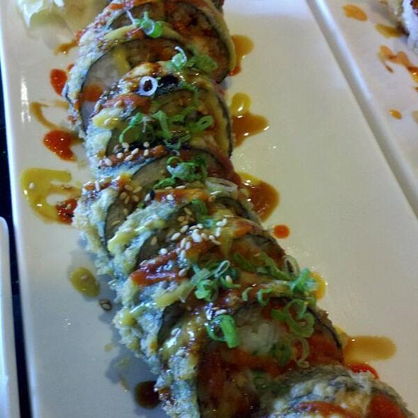Godzilla roll @ Maneki Sushi