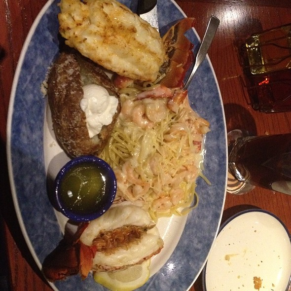 Lobster Lovers Feast @ Red Lobster