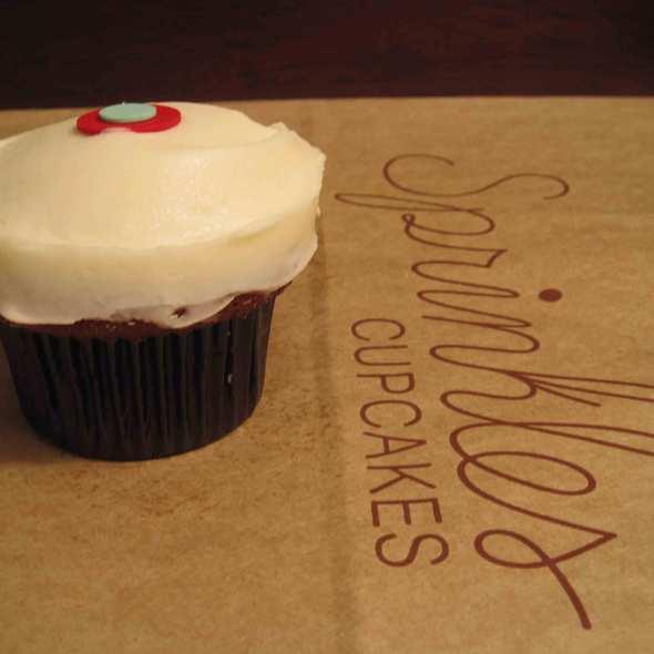 Red Velvet Cupcake @ Sprinkles Cupcakes