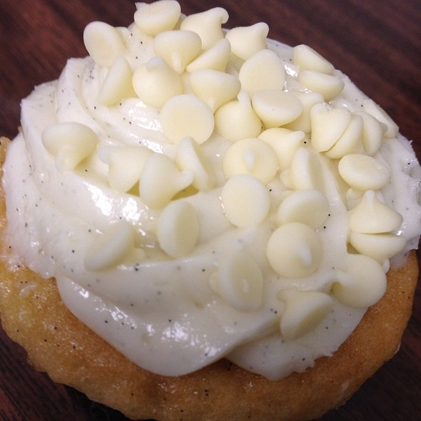 Cup Cakes Made By Cheese Cake Factory For Pizza Hut  @ Pizza Hut
