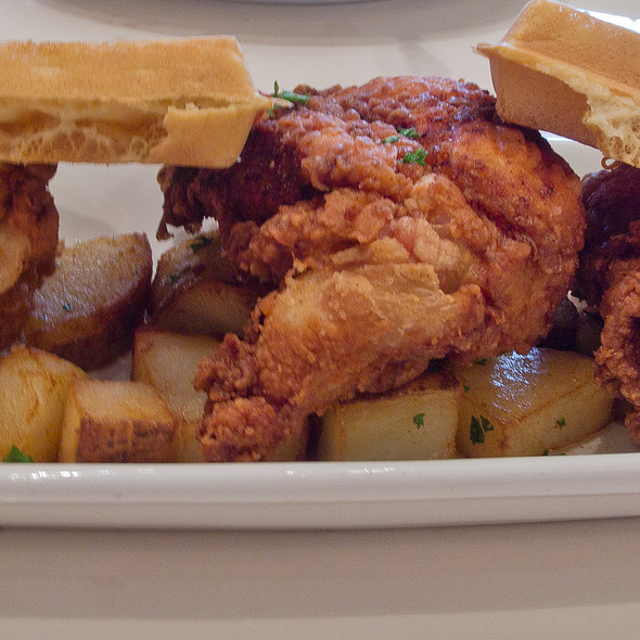 Chicken and Waffles @ Serendipity 3