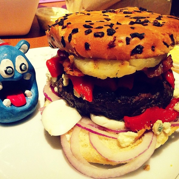 Custom Build Burger @ The Counter