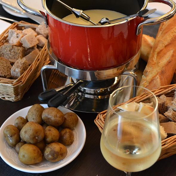 Cheese Fondue @ Brasserie Wolf