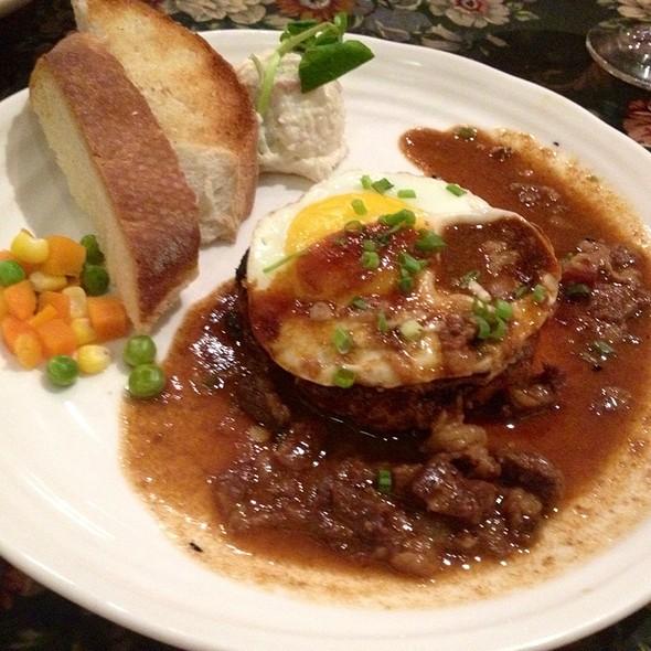 DOTENI Hamburger Steak @ Ma Maison Greenbelt 2
