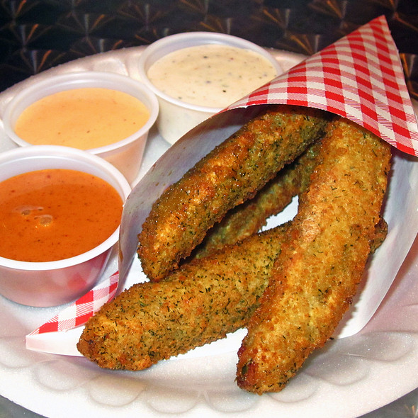 Fried Pickles @ Chipsy