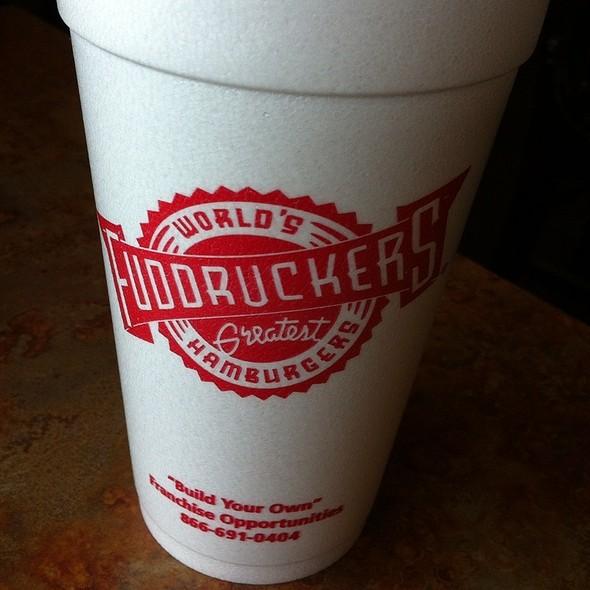 Bottomless Soda @ Fuddruckers