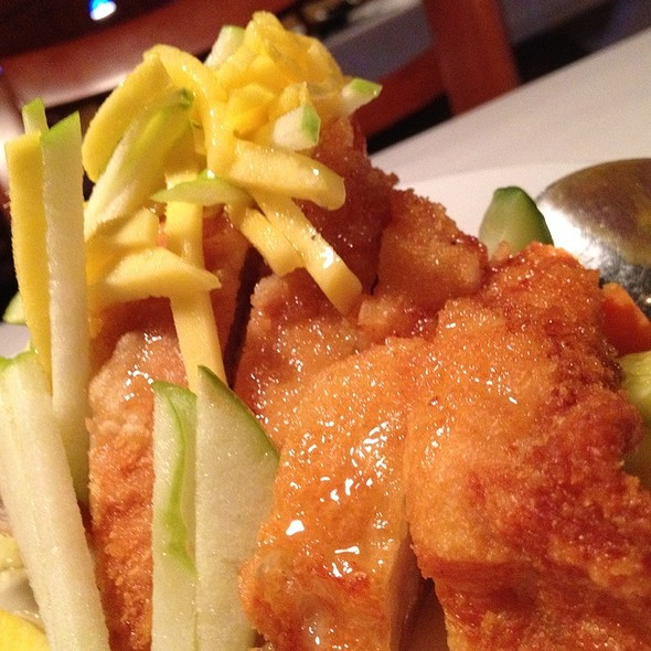 Champagne Lemon Chicken @ Friendship Restaurant