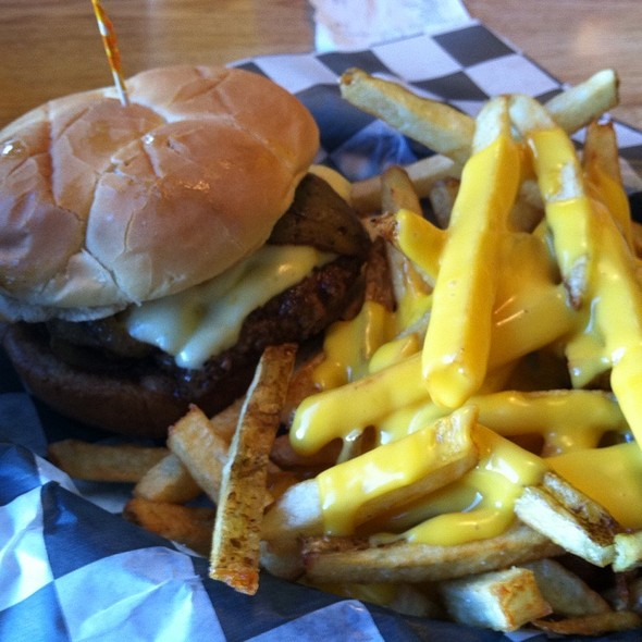 New Mexico Green Chile Burger @ French Fryz