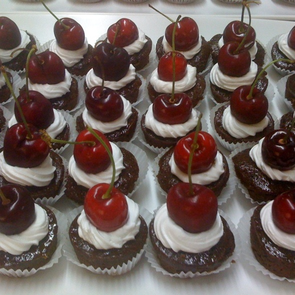 Cherry Cupcake @ Gourmet X-Perts Catering