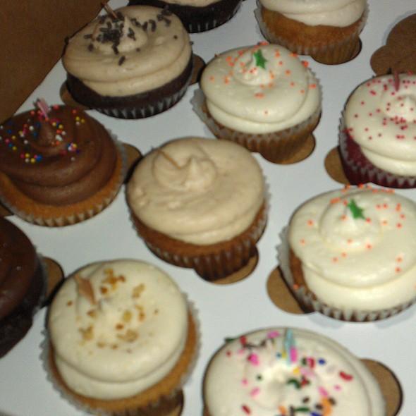 Star Cakes cupcakes @ Star Cakes