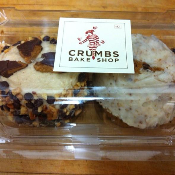 Cupcakes @ Crumbs Bake Shop