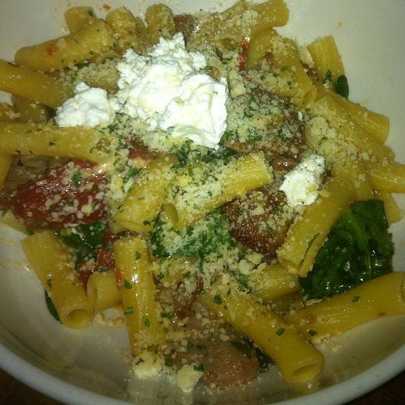 Rigatoni With Italian Sausage, Spinach, Tomato And Goat Cheese - Francesca's at the Promenade, Bolingbrook, IL