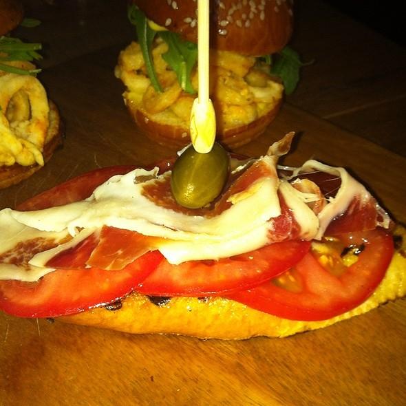 Tomato Bread @ Beba Y Cene