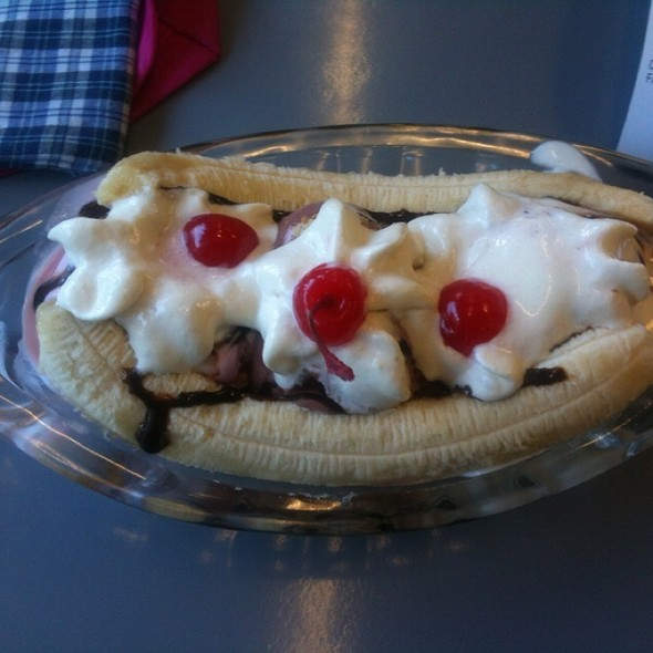 Banana Split @ Food Avenue, Lp Hypermart