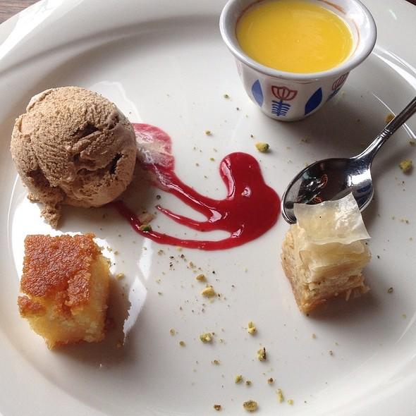 Süße Verführung Des Orients - Mit Zimteis @ Restaurant Mazza Hamburg