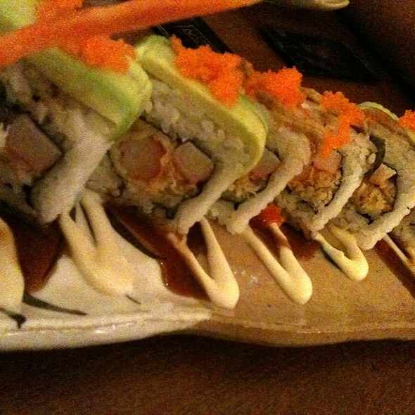 Jumbo Dragon Roll @ Sushi Tei