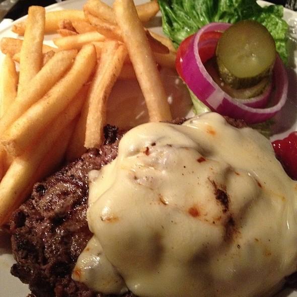 Mushroom & Swiss Burger @ Hard Rock Cafe